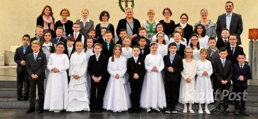 Feierliche Erstkommunion in der Pfarrei Hausen